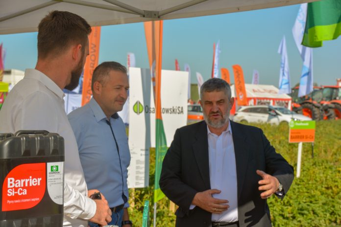 Minister Ardanowski na stoisku Osadkowski SA